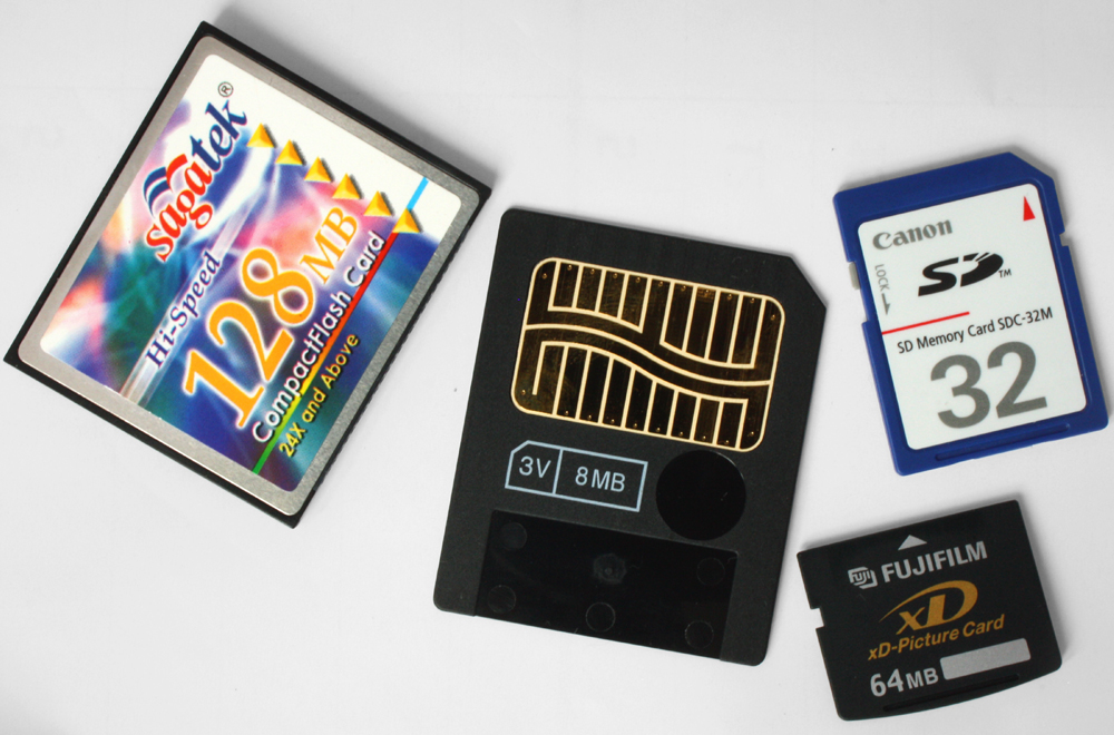 what is a flash memory card
